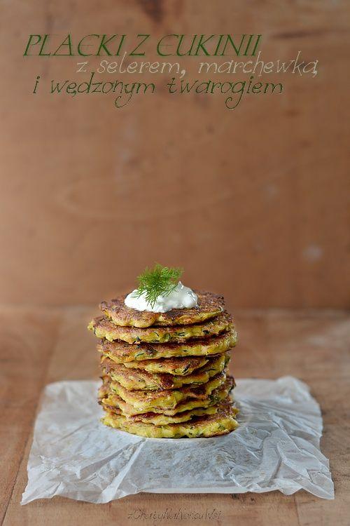 Z Chaty Na Końcu Wsi: PLACKI Z CUKINII Z SELEREM I WĘDZONYM TWAROGIEM / PANCAKES zucchini with celery and smoked cottage cheese