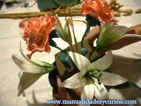 Centro de mes paso a paso con flores de foamy goma eva - Flore de goma eva ...