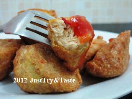 Dadar Gulung Isi Daging Kepiting & Ayam Cincang