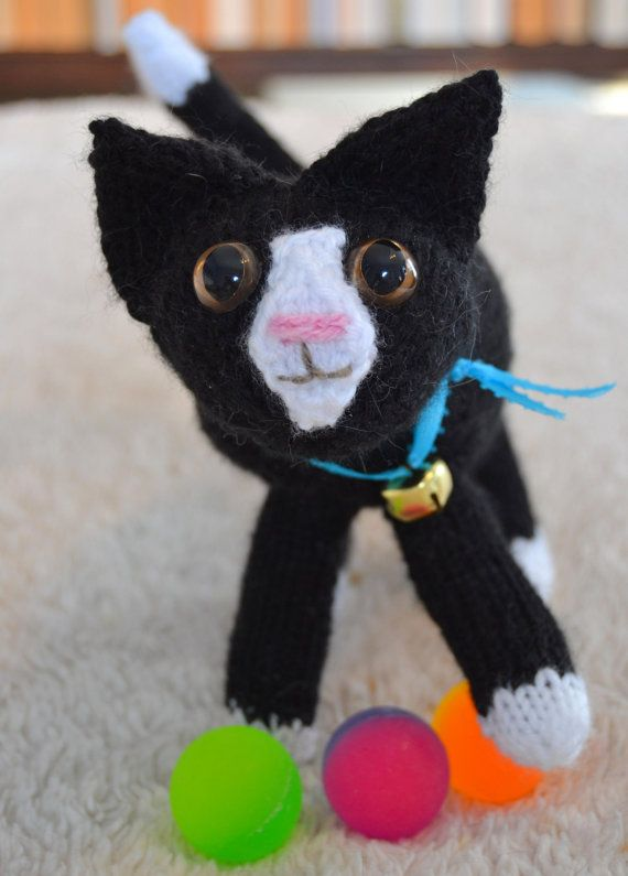 Tuxedo knitted kitten by osweetlife on Etsy