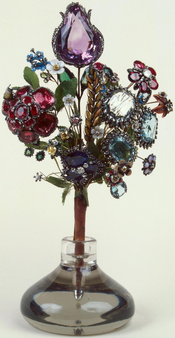 Russia / St. Petersburg / Hermitage  Bouquet created in the 1740s by Jeremie break (1719-1779), famous jeweler in Geneva, active in Russia between 1740-1764; rock crystal, silver, gold, fabric (leaves) and twine, various gemstones.