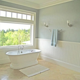 Traditional Country Master Bathroom - love beadboard