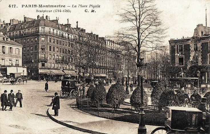 Paris, La place Pigalle vers 1900. La carte précise que (Jean-Baptiste) Pigalle était un sculpteur.