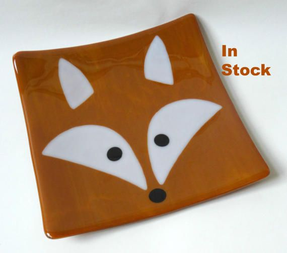 This colourful handmade fused glass plate or platter with a fox design is great as a decoration or for use to serve food. Ideal gift or present for Christmas or any other time.  It was fused flat and then slumped into a mold that has curved the corners up. Width 21cm Height to corner 3.5cm  It matches my fox glass coaster design. This plate is in stock and can be posted within a couple of days.  I am happy to take orders to make similar plates with different designs.  My stained glass and…