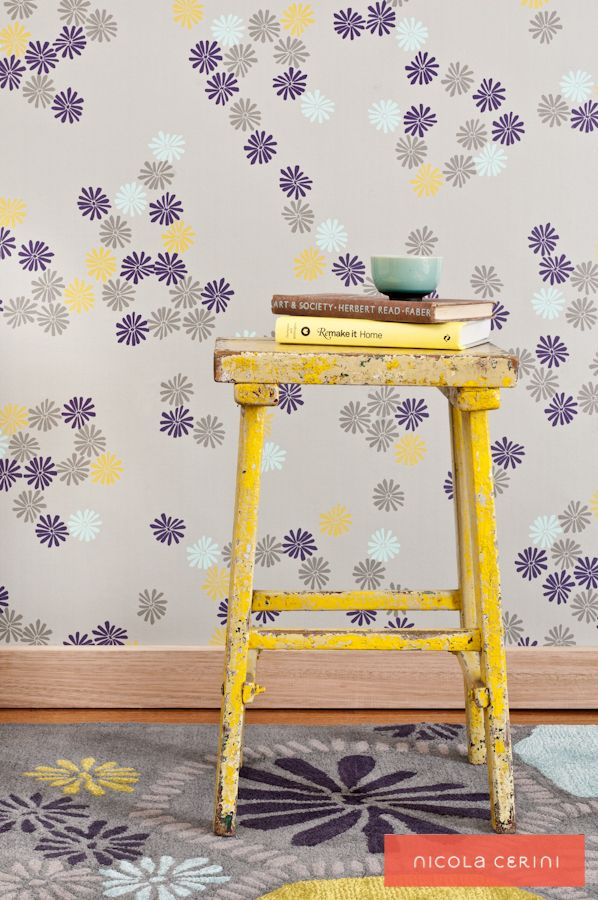 Cold Water Coral Rug, Minnie Daisy Wallpaper, www.nicolacerini.com