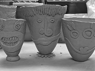 Flatten features before adding them...fun variation on ugly jugs: Ceramics Projects, Pottery Ideas, Clay Faces, Faces Pots, Art Ideas, Pinch Pots, Clay Class, Art Projects, Ceramics Ideas