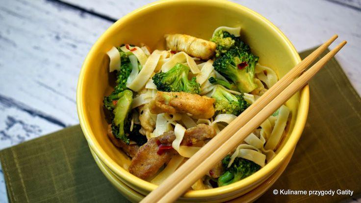 Wieprzowina smażona z brokułami