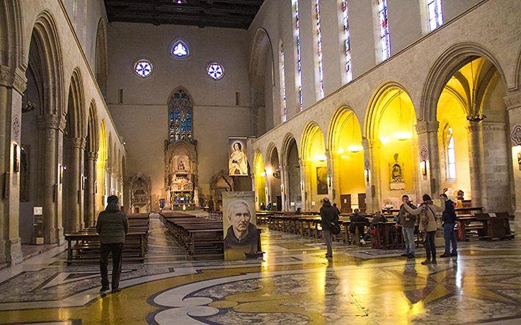 Santa Chiara Kilisesi