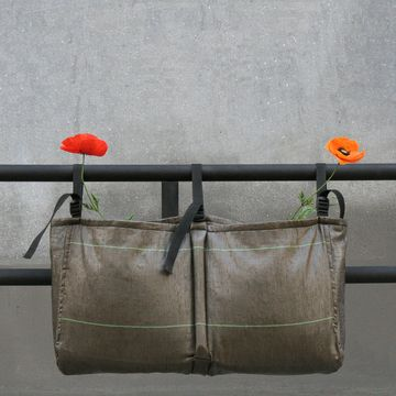 Love this -- new concept for window boxes.