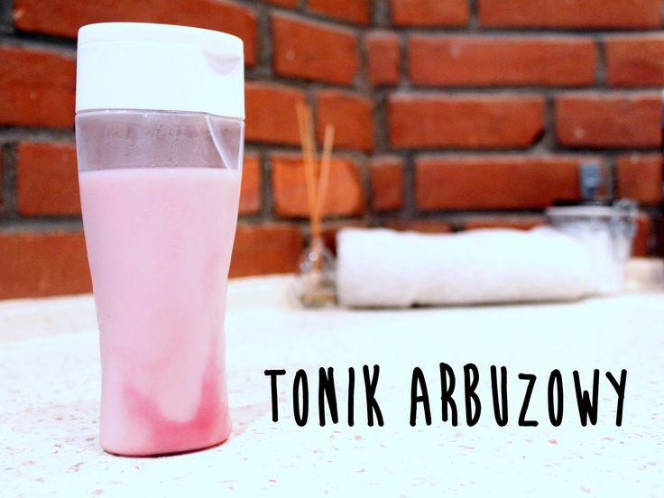 Tonik z arbuza, mleka i miodu