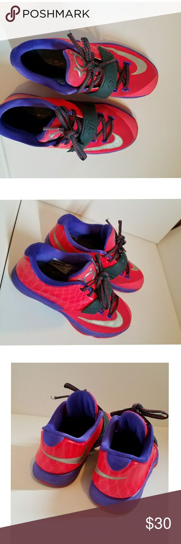 Nike kd sneakers Nike Kd sneakers really great condition size 1 Nike  Shoes Sneakers