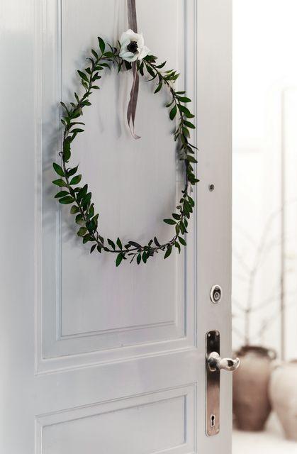 boxwood wreath: Christmas decorations, Danish style.
