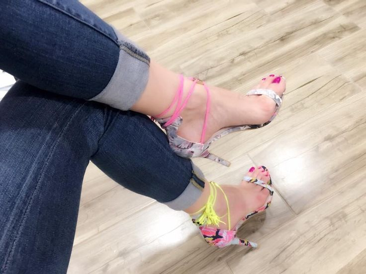 Pink or green? #shoes #sandals #summer #fashion #fashionista #high-heels #love #chic #shoes-addict #colors #laces