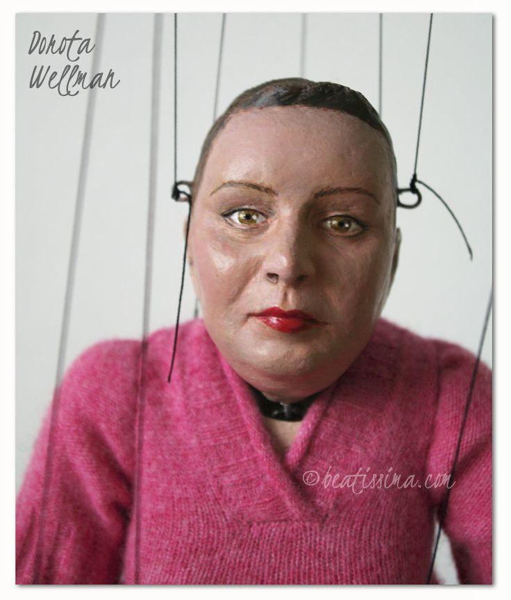 Unikatowa lalka portretowa - portret lalkowy znanej i lubianej dziennikarki i prezenterki TVN autorstwa Bei Ihnatowicz.  Dorota Wellman, a well-liked Polish journalist and a TV host.