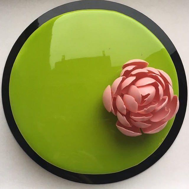 76 mentions J'aime, 7 commentaires – Астрахань Adelina Кондитер (@adelina_astra) sur Instagram : «Нежнейший торт для девушки #adelina05 #муссовыйторт #кондитерастрахань #тортастрахань #муссовыйторт…»