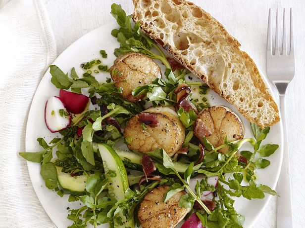 #FNMag's Scallops With Watercress Salad: Food Network, Easy To Follow Food, Seafood Recipes, Salad Recipes, Seafood Dishes, Bacon What, Easy To Follow Scallops, Watercress Salad Scallops, Salad Scallops Pairings