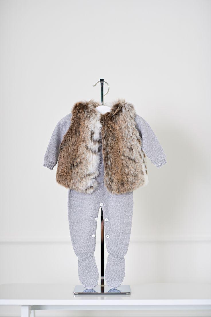Layette  - Baby clothes -combinaison et gilet fourrure bébé