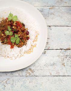 Le Chili con carne (avec pois chiche et coriandre !) de Jamie Oliver - un régal.