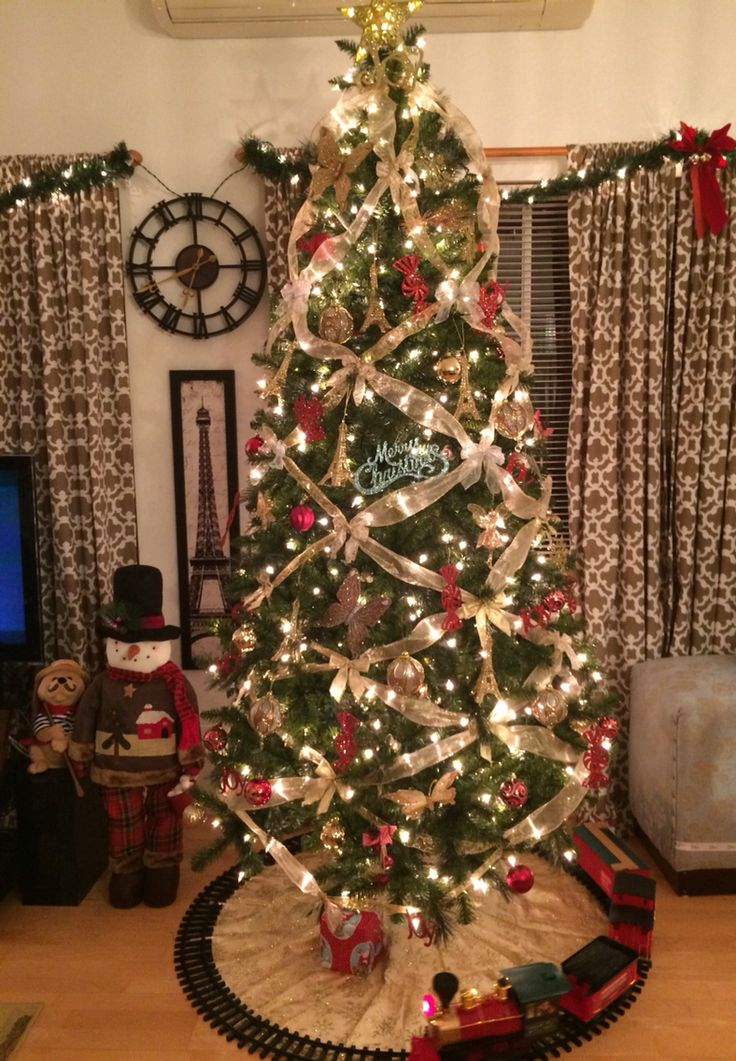 17 best christmas tree ribbons images on pinterest for Red ribbon around tree