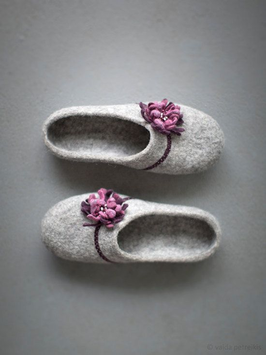 Felted wool slippers for women | Grey clogs with purple pink flower | Natural gray organic wool clogs | Eco friendly home shoes with rubber soles. 100 % handmade light grey felted slippers with beautiful flower, fabric and small seed beads. Original design. High quality undyed organic natural wool was used for making them. Those wool clogs are made without any seams. Designed to be worn at home. Woolen slippers have the following properties: durability, comfort, warmth during the cold season…