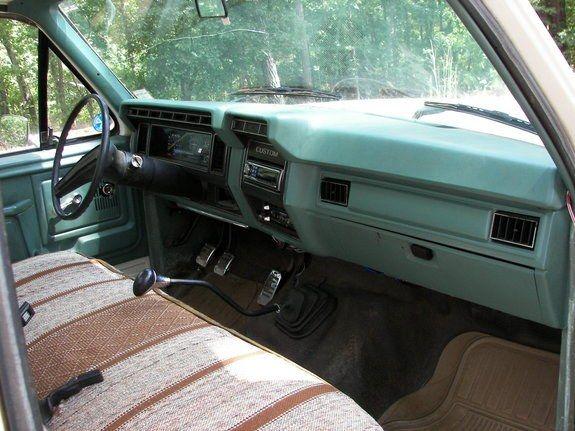 1981 Ford F150 Interior