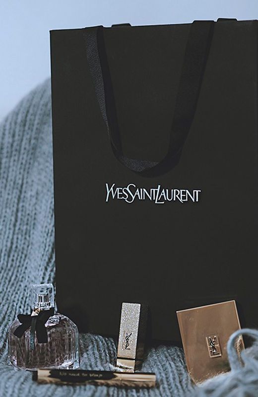 Mes voyages a Paris http://stylelovely.com/yvessaintlaurent/2016/12/22/mes-voyages-a-paris-maquillaje-yslbeautylovers/