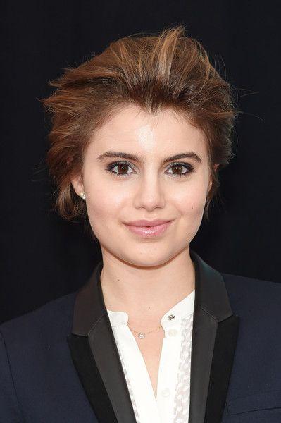 Sami Gayle Short Straight Cut - Short Hairstyles Lookbook - StyleBistro