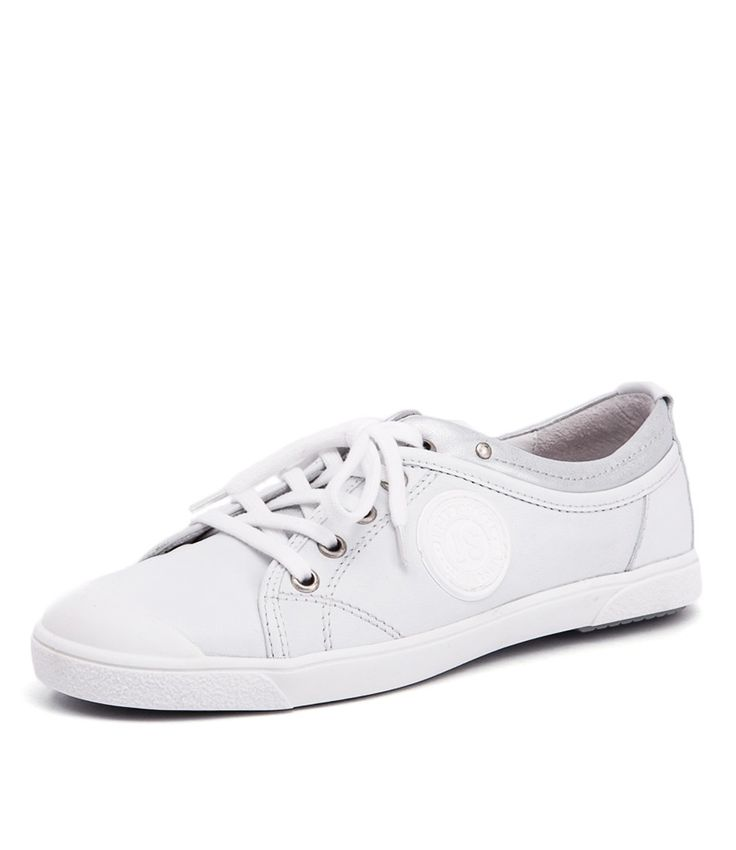 Perfect for running errands or walking the family pet, this sporty sneaker is made for women on the go. Lace them up with casual basics for an easy, everyday look that's right on trend. Shop Josef Seibel Lilo 05 Weiss/Argento at styletread.com.au