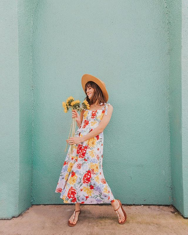02caaaa8e1f65 Floral dress midi length and perfect for spring and summer! Outfit inspo / inspiration  2019