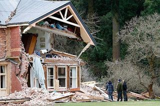My earthquake story from three years ago. http://wellywoodwoman.blogspot.co.nz/2010/09/i-feel-earth-move-under-my-feet-girls.html
