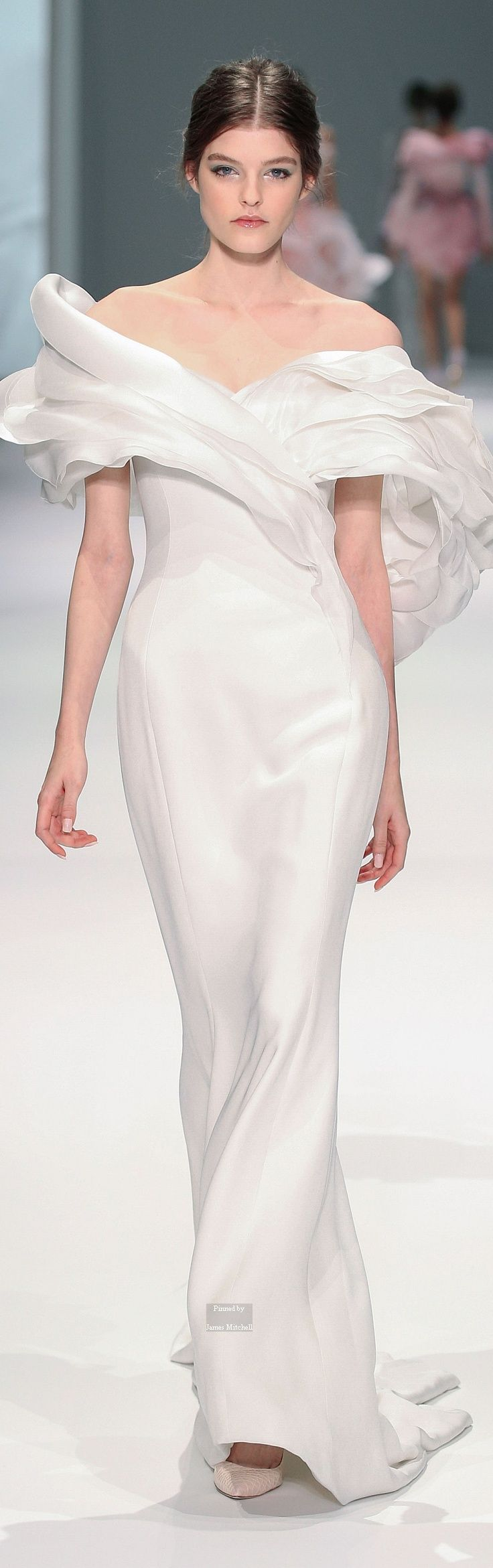 Ralph & Russo Haute Couture Spring Summer 2015- I love this dress
