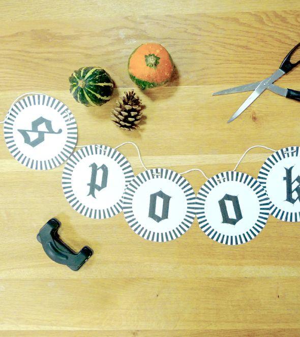 Spooky #Bunting, Handmade, #Halloween, Crafting, Free #Printable - http://leaffdesign.blogspot.co.uk/2015/10/halloween-diy-creative-living.html. By Leaff Design, Worcester UK.