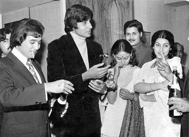 Rajesh Khanna, Amitabh Bachchan, Jaya Bhaduri and Dimple Kapadia