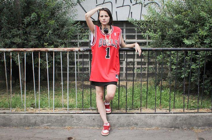 Maglia in jersey #adidas replica originale della leggenda del basket Derrick Rose. Disponibile in alcuni selezionati AW LAB store e online: http://bit.ly/12B4kTZ  Scopri tutta la collezione #DRose: http://bit.ly/10u6nNj