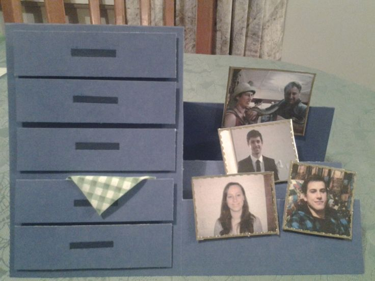 Step card, chest of drawers.