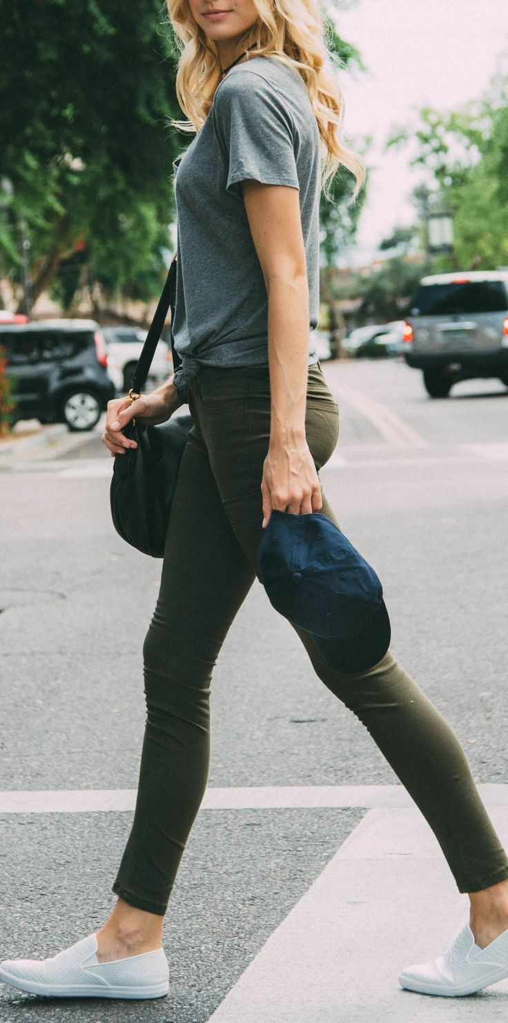 - Details - Size Guide - Model Stats - Contact You've got the inside track with these Insider Skinny Butt Lifter Jeans in olive! Featuring stretch fabric, classic five-pocket styling, butt lifter seam