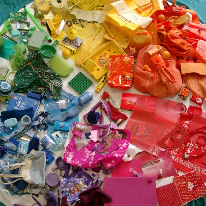 Bei Materialwiese  bin ich über die Farbkreis-Materialien gestolpert. Dabei ist mir mein kleines Farbmuseum wieder eingefallen. Vor Jah...