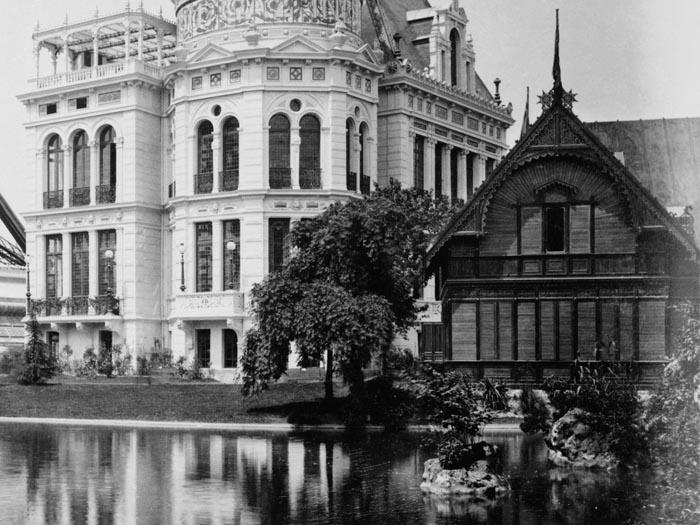chalet suedois 1889 tour eiffel