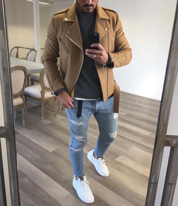 Mooi combinatie, toch mannen? #mannen #heren #mode #Inspiratie #mensfashion #inspiration #biker #jacket #ripped #jeans #sneakers