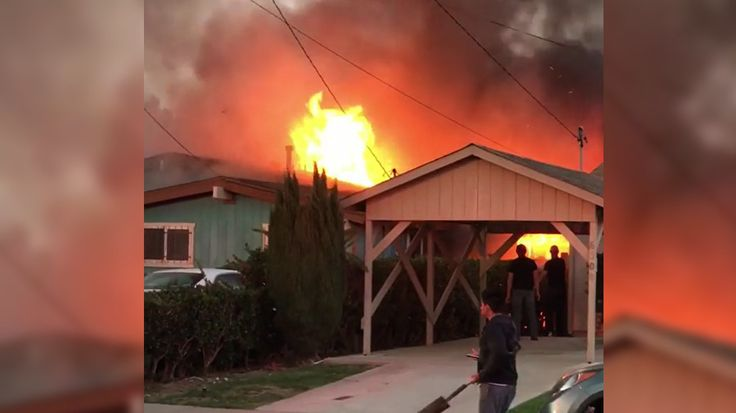 2 killed in San Diego after small plane crashes into house (VIDEO)