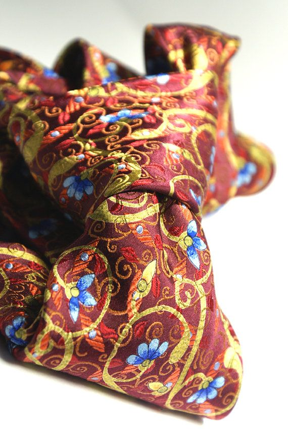 Handsewn seven fold tie in an amazing by ModernRenaissanceMan