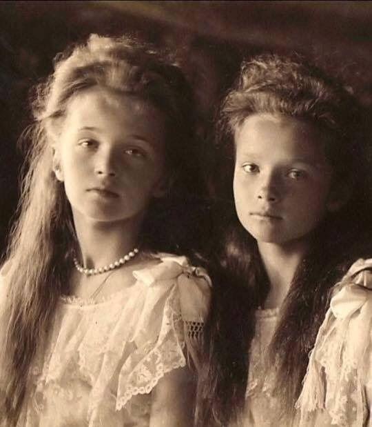Olga and Tatiana Nicolaevna Romanov, the daughters of Tsar Nicolas II and the Tsarina Alexandra Feodorovna, circa 1908.