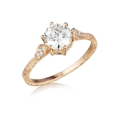 Gold engagement ring - My wedding ideas