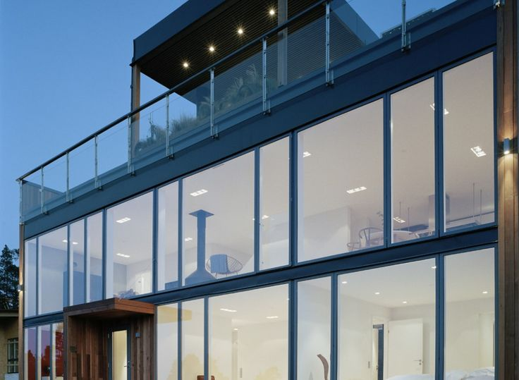 The VELFAC-200 windows greatly increase the natural daylight intake in this elegant designed facade.