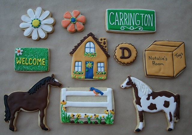flowers, welcome matt, house, fence with birdie are too sweet. Horse ideas here too