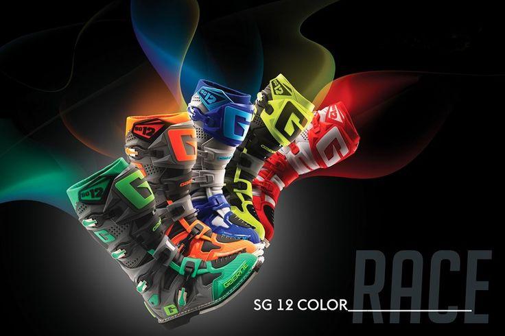GAERNE SG12 | Com novas cores quase a chegar ao mercado português, as GAERNE SG12 têm ainda muito para contar/rolar para o ano de 2017. As suas características continuam a deixar qualquer pessoa tentada a experimentar. Veja as novas cores: - Amarelo Fluo; - Azul/Amarelo; - Cinza/Fluo.  Fiquem atentos! #lusomotos #gaerne #SG12 #botas #cores #Portugal #experiências #estilodevida #bootevolution #moto