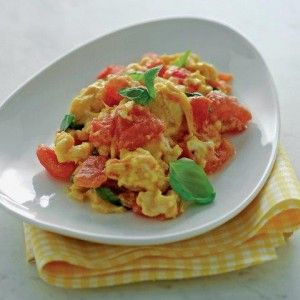 Scrambled eggs with tomatoes (Kayianas) -see the recipe http://www.icookgreek.com/en/recipes/dishes/item/scrambled-eggs-with-tomatoes?category_id=283