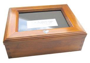 Rimu+Memory+Box+with+Paua+Heart  http://www.shopenzed.com/rimu-memory-box-with-paua-heart-xidp137495.html