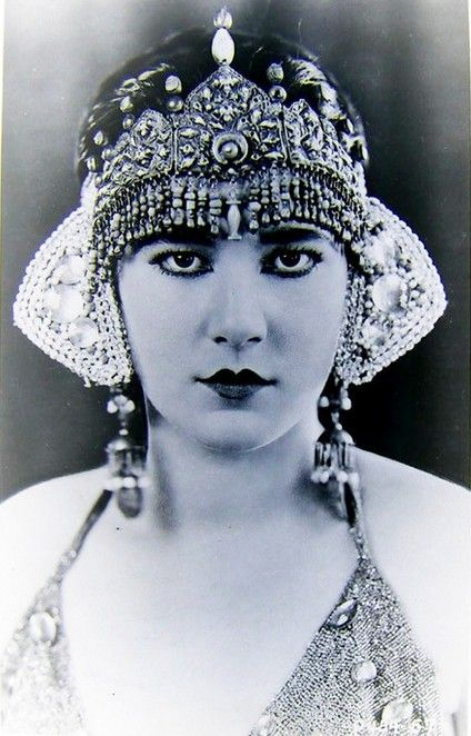 """Nita Naldi ~ 1920's (1894-1961). American silent film actress. She was usually cast in the role of the """"femme fatale""""/""""vamp""""."""
