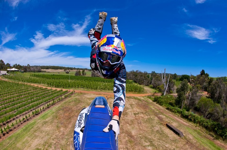 Freestyle motocross Red Bull http://pinterest.com/redbullfr/
